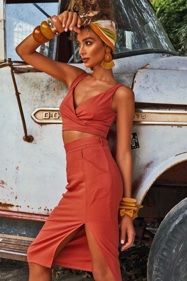Ocaso Top Ladies Top Colour is Rust